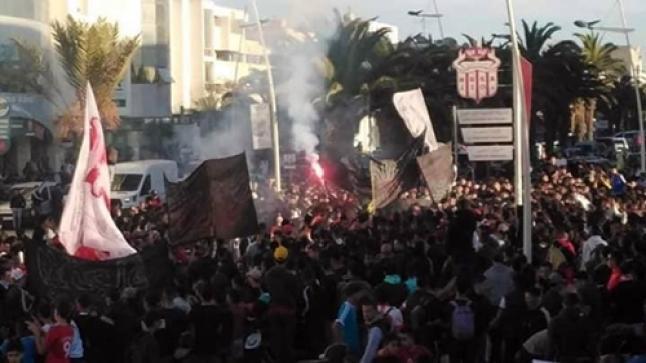 رسائل قوية في مسيرة حاشدة لجماهير الحسنية بأكادير (صور)