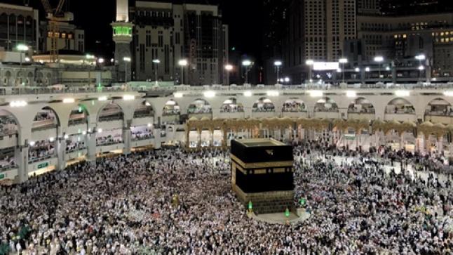 السعودية تُعلق دخول المعتمرين إلى أراضيها بسبب فيروس كورونا