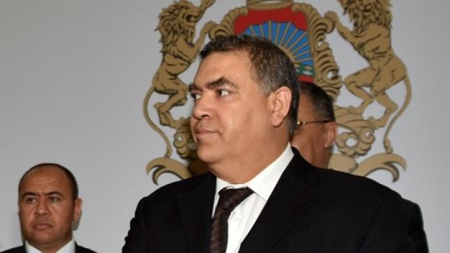 """""""تغازوت باي"""".. وزير الداخلية يوقف العمل بالتراخيص الإستثنائية"""