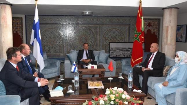 السفير الفنلندي بالمغرب يحل بأكادير ويتباحث مع عدد من المسؤولين بالمدينة