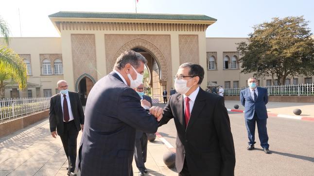 تسليم السلط بين العثماني ورئيس الحكومة عزيز أخنوش (صور)