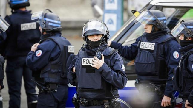 اعتقال طالب كان يخطط لإطلاق النار على أشخاص بمسجد وثانوية بفرنسا