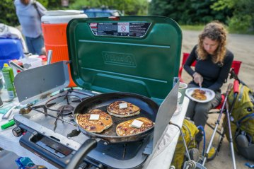 Maine blueberry pancakes with real maple syrup makes for some INCREDIBLE trail magic!