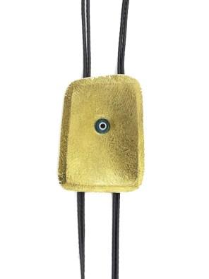 Χειροποίητο κολιέ από ορείχαλκο.Minimal κολιέ με ένα μικρό ματάκι στο κέντρο του δεμένο σε υψηλής ποιότητας μαύρο κορδόνι. Μήκος κολιέ 50cm.Όλα μας τα κοσμήματα μένουν αναλλοίωτα αφού έχουν εμβαπτιστεί σε ειδικά βερνίκια. Δημιουργίες με μοναδική αισθητική, που πάντα γοητεύουν και εντυπωσιάζουν, κάνοντας σας να αισθάνεστε stylish όλες τις ώρες της ημέρας.