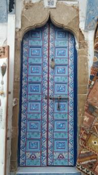 Porte peinte rue des Consuls à Rabat