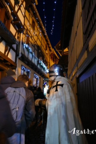 2019NF0219-Eguisheim-Homme en costume de croisé
