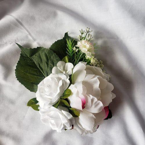flower broche