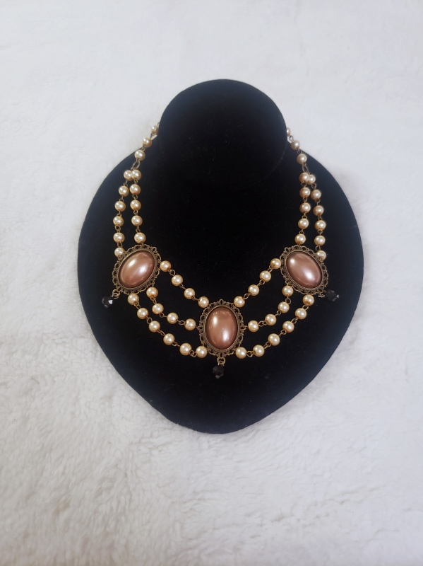noble jewels chocolate necklace