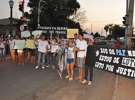 3008-cotidiano-protestopelapaz
