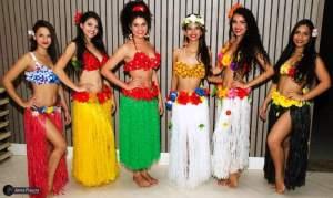 as-belas-concorrentes-ao-titulo-de-mais-bela-havaiana-na-feijoada-realizada-no-confort-hotel