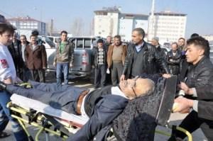 Elbistan`da baba hayatını kaybetti, oğlu ağır yaralı
