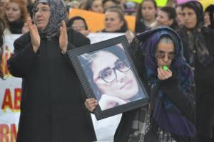 Elbistan'da Kadınlar Özgecan'ı Unutmadı