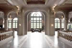 Le Trianon - サル・ド・バル