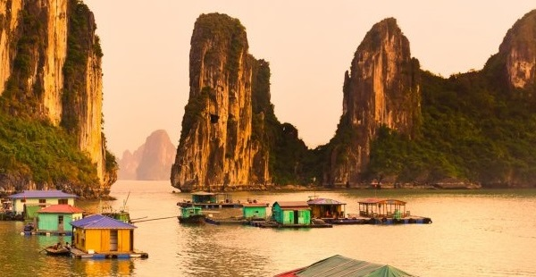 Baie d'Halong - Agence de voyage locale au vietnam
