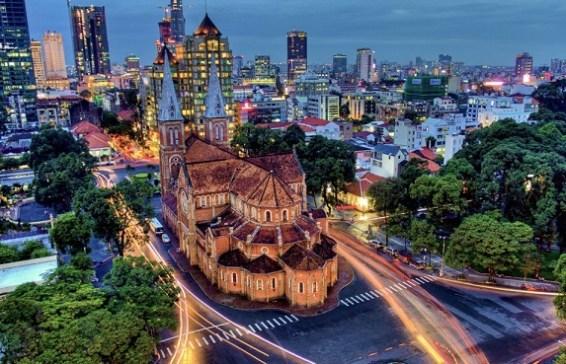 Cathedrale de notre Dame a Ho Chi Minh ville - Guide francophone Saigon