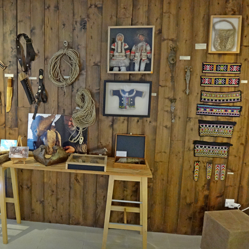 Exposition d'objets d'artisanat Dolgan