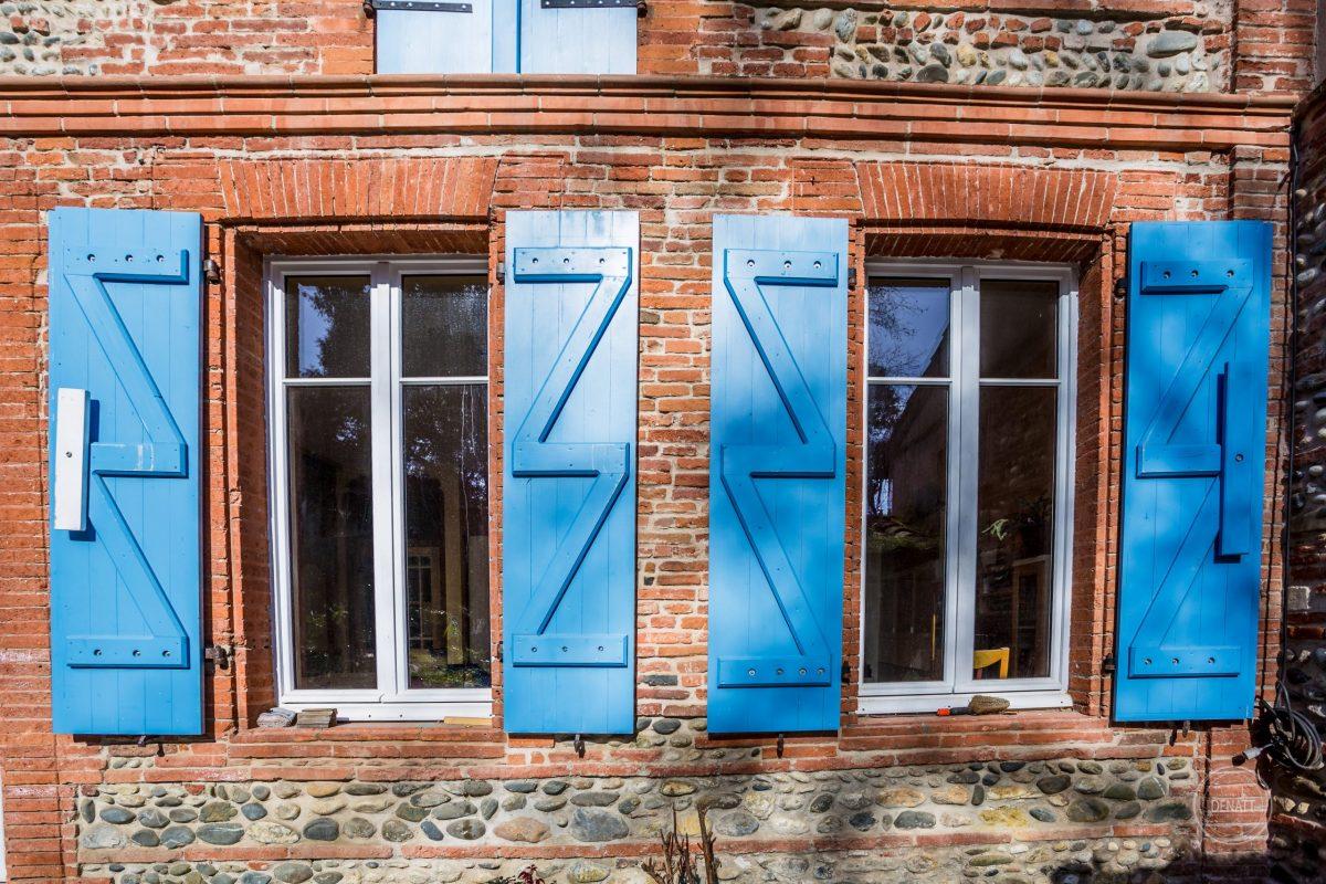 Volets traditionnels rénovés maison toulousaine, agence Denatt