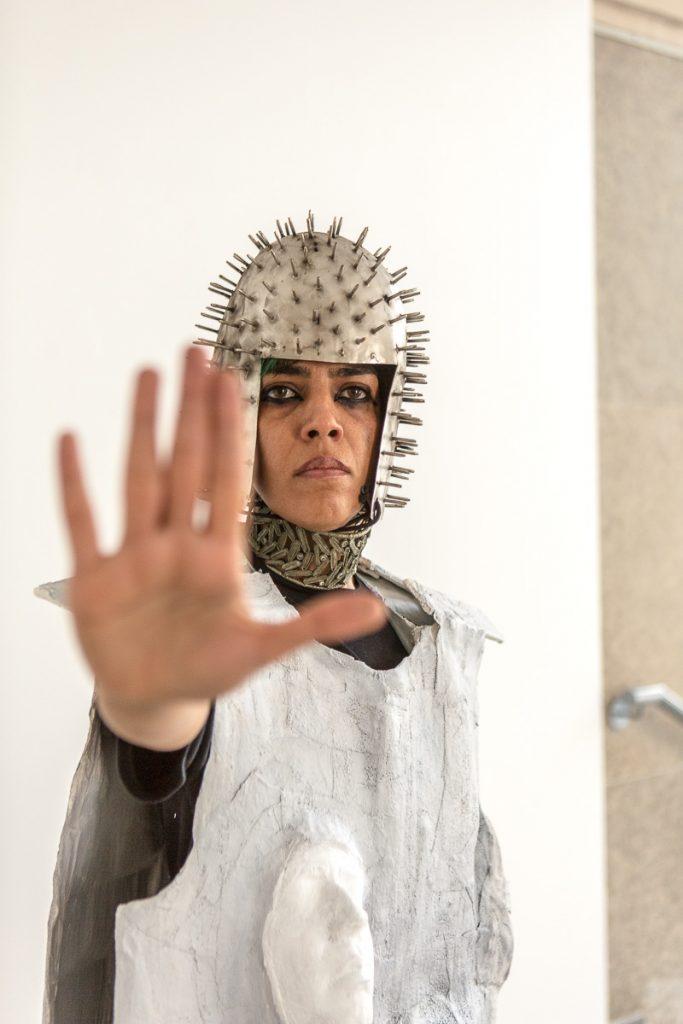 L'artiste Hura Mirshekari Reportage photo event à Paris © Nathalie Tiennot/Agence Denatt - Cité internationale des Arts -