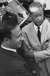 2Béji Caïd Essebsi à gauche et Dag Hammarskjöld à droite le 26 juillet 1961 à Bizerte