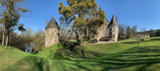 846- TBI Château au bord de l'eau, idéal réception de mariages
