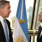 Solá le encomendó al embajador Iribarne profundizar la relación bilateral con Uruguay