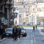 """Dios te bendiga Francisco: El Papa salió del Vaticano para rezar por el """"fin de la pandemia"""