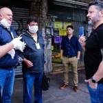 """Gustavo Menéndez: """"vamos a salir a la calle con 300 personas por día a controlar los comercios"""""""
