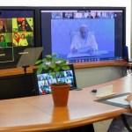 El Papa Francisco en videconferencia de la que también participó Fabiola Yañez inauguró una Universidad de Scholas