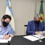 """Leo Nardini firmó convenio con el ministro Ferraresi: """"300 familias malvinenses accederán a tener su casa propia"""""""