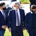 El presidente Fernández acompañado por el intendente Menéndez encabezó en Merlo la presentación del Plan Paradas Seguras