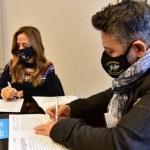 Gustavo Menéndez recibió a Tolosa Paz y firmaron convenios para fortalecer las políticas sociales del Municipio de Merlo