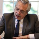 El Presidente Fernández firmó el decreto para convertir los planes sociales en empleo genuino y registrado