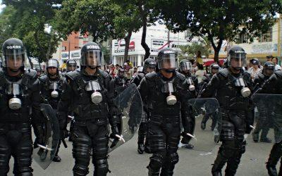 """Gobierno pide limitar la protesta porque con ella se """"desprestigia"""" a la Policía"""