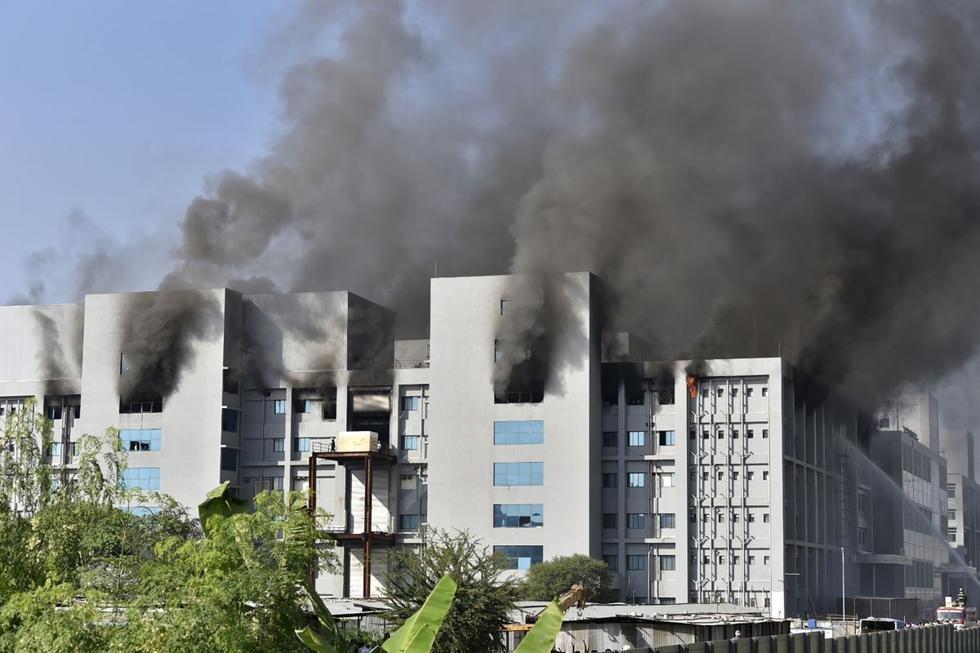 Fuerte incendio de laboratorio de vacunas en India.