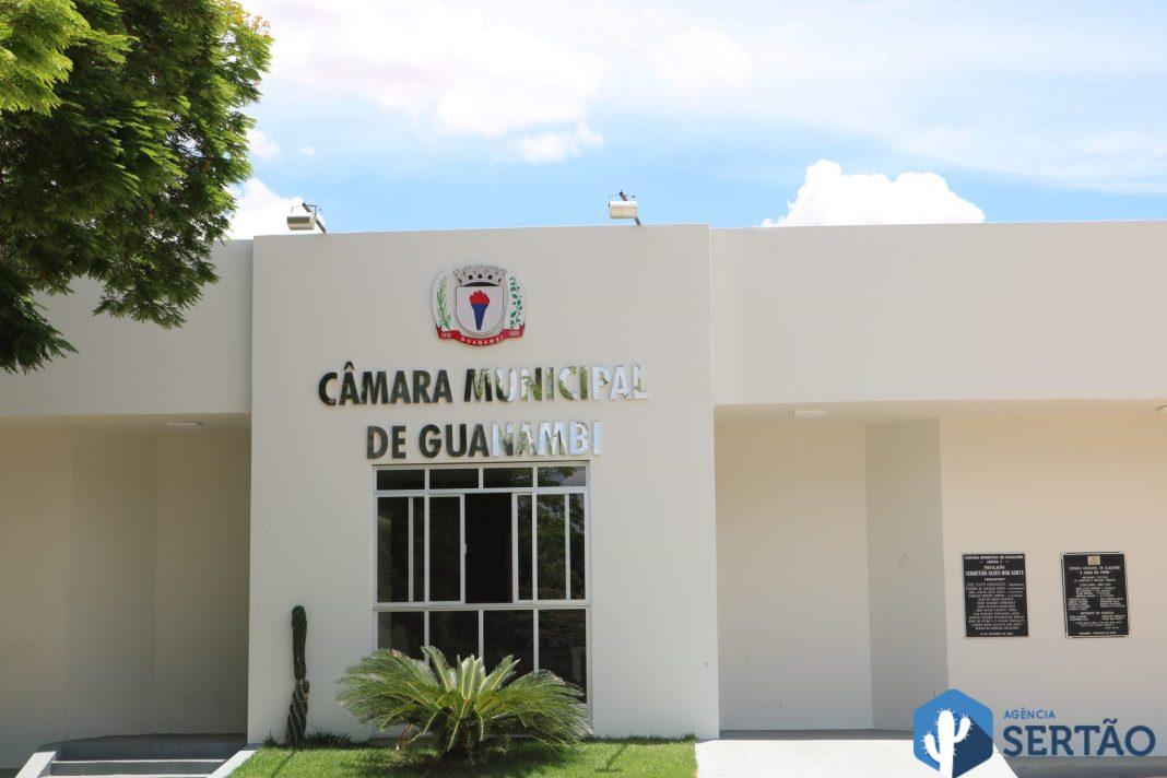 Médicos e dentistas emitem nota contra projeto de lei que reduz gratificações da Prefeitura de Guanambi