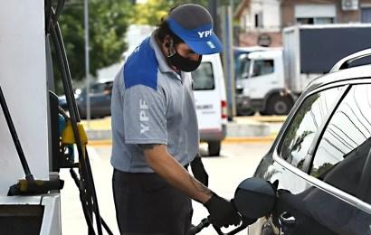 Golpe al bolsillo: Aumentó la nafta un 5 % en todo el país