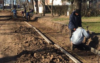 Santa Teresa: Avanza el cordón cuneta en calle Domingo Luna