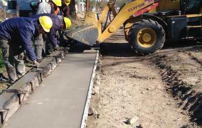 Avenida Bicentenario: Avanza la obra de cordón cuneta