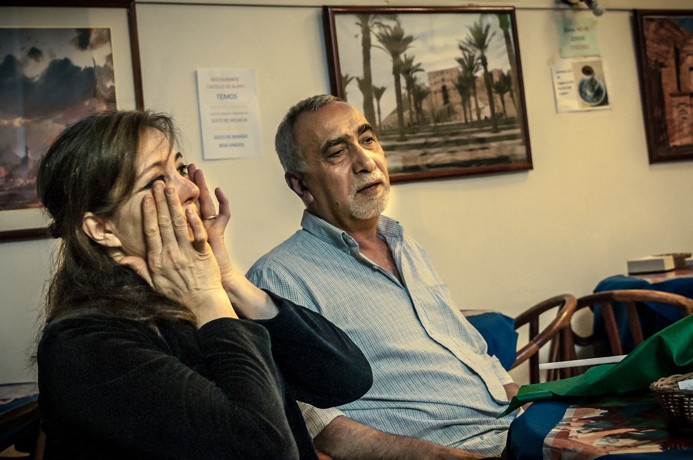 """Chaza Alturkmani e Suhib Zinou: """"Às vezes, quando fico pensando nisso, tenho saudade. Aqui tudo é diferente. Mas nós agradecemos a todos que nos ajudaram""""     Foto: Martinho Caires"""