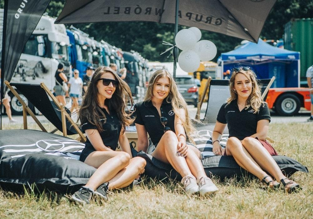 hostessy na targach motoryzacyjnych master truck show