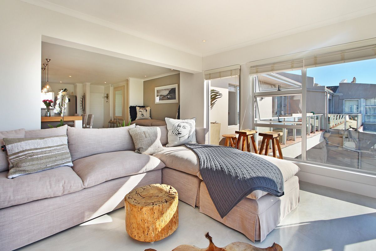 Designer Luxury Three Bedroom Apartment Muizenberg