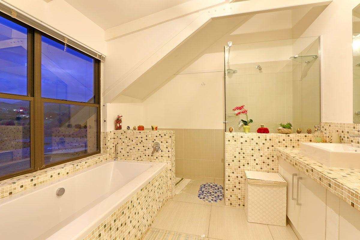 Four Bedroom Self Catering Accommodation Noordhoek