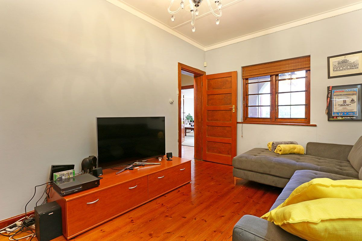 Large 6 Bedroom Holiday Home in Cape Town