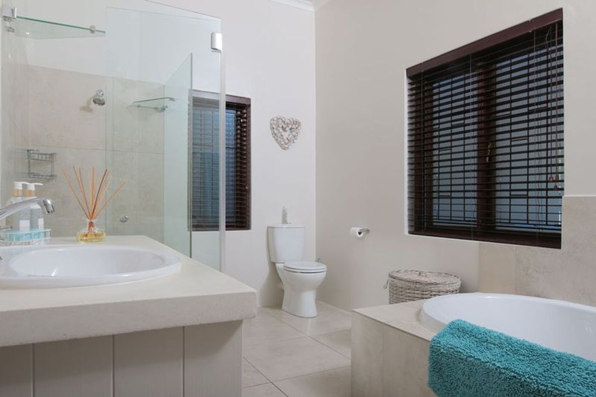 Pool Self Catering Holiday Accommodation With Pool In Claremont Cape Town