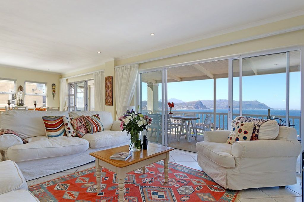 Meryl holiday home simonstown