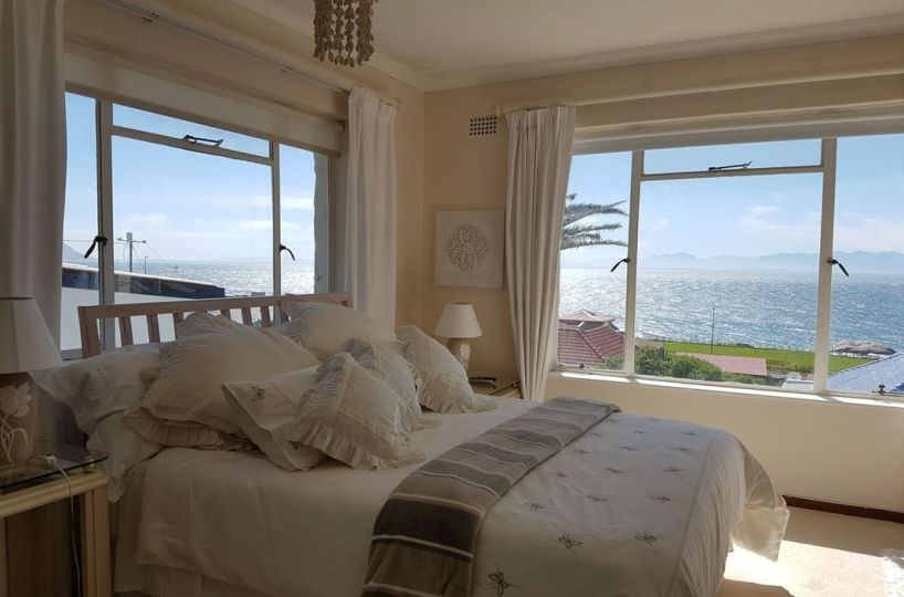 Simonstown One Bedroom Self Catering Apartment with Pool