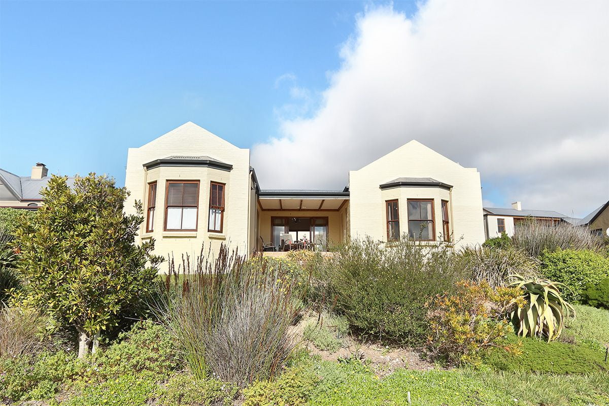 Secure Estate NoordHoek Two Bedroom Holiday Home