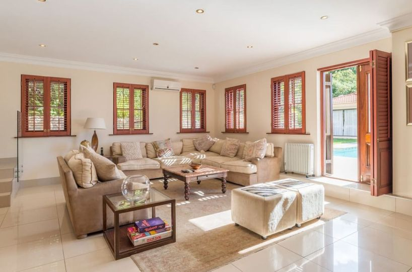 Luxury 8 Bedroom 5 Star Private Villa Constantia