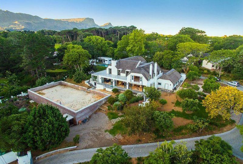 Friendly Luxury Artistic Dream Villa at Wine Farms