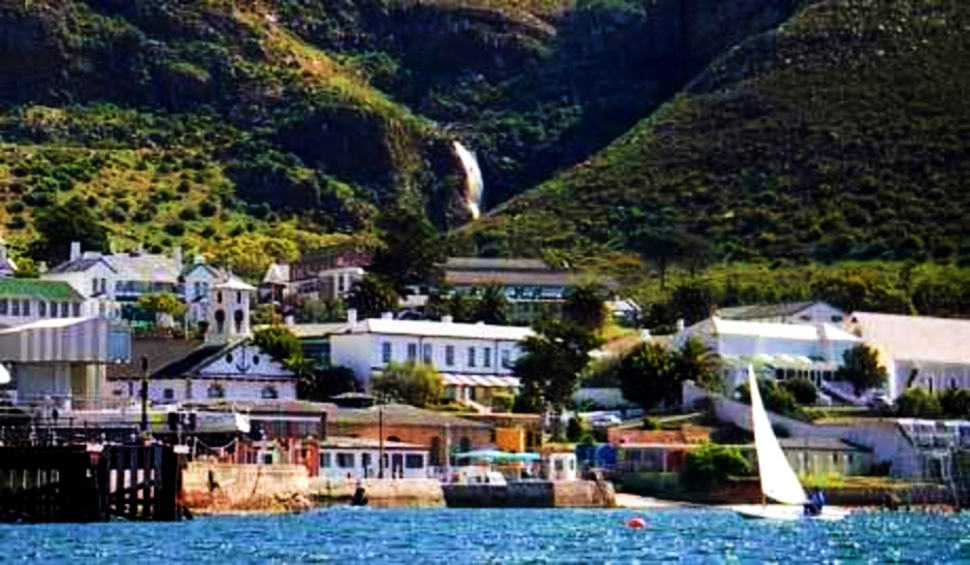 Simon's Town Admiral's Waterfall Walk from town or park higer up